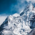 Mt Everest develops by almost a meter to new stature